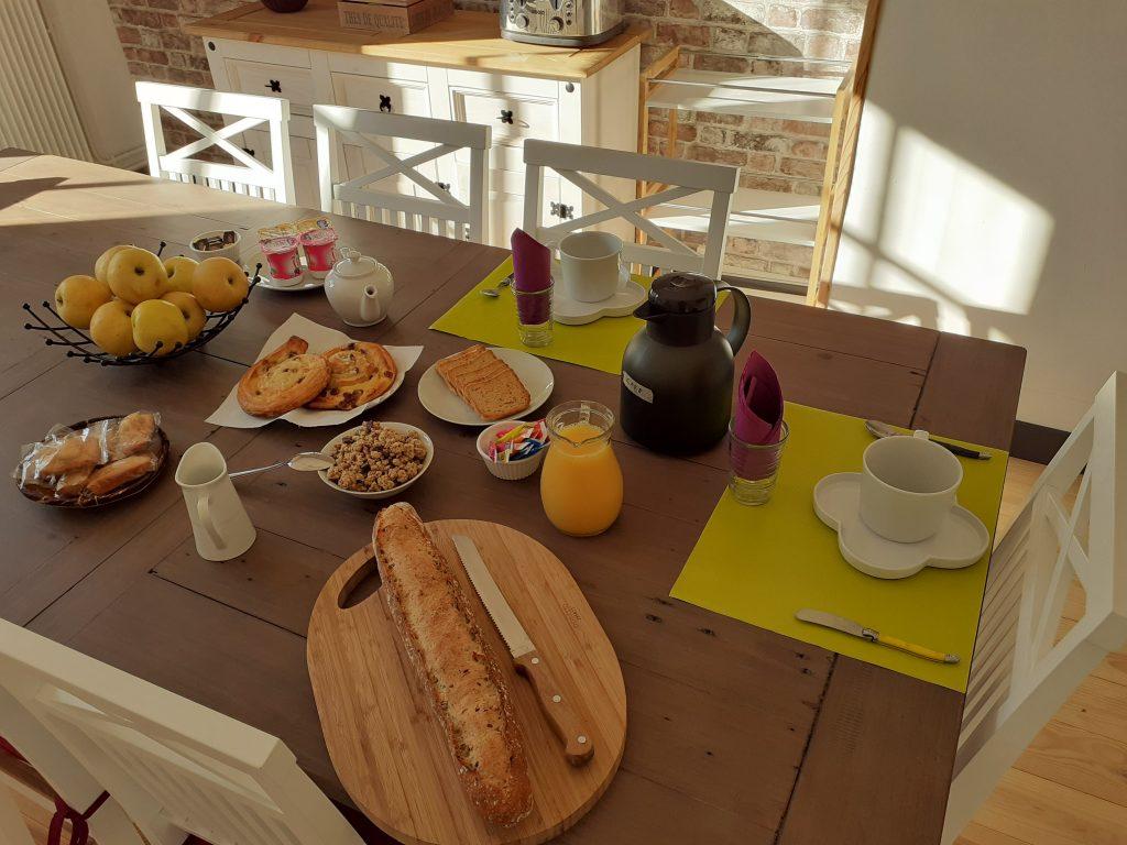 Le petit déjeuner le clos des Passiflores à Pons
